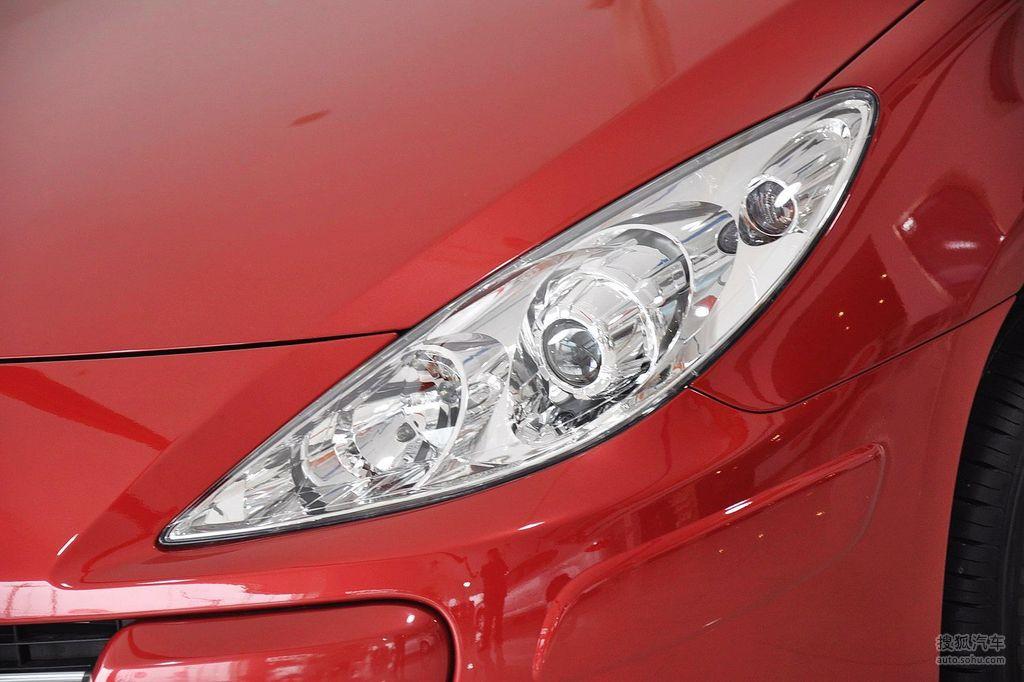 2010款标致307两厢1.6l手自一体舒适版   前大灯