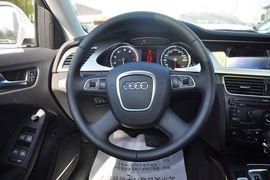 2012款一汽奥迪A4L 2.0TFSI舒适型
