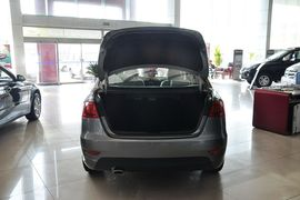 2011款中华H530 1.6L手动豪华型