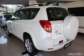 2008款丰田RAV4外观