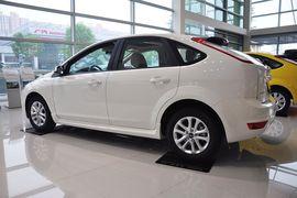 2012款福特福克斯两厢1.8L手动经典版时尚型
