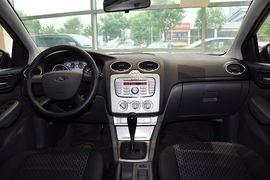 2012款福特福克斯两厢1.8L自动经典版基本型