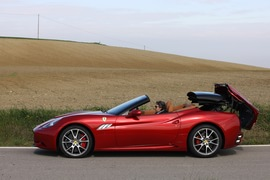 2012款法拉利 California HS海外试驾实拍
