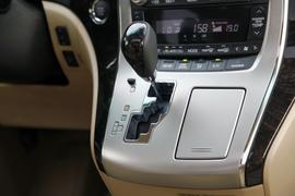 2012款丰田埃尔法体验