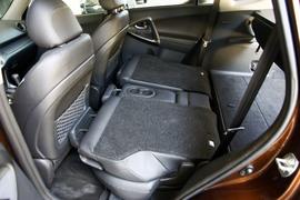 2011款丰田RAV4 2.4L导航版对比测试