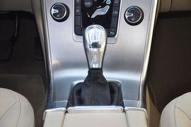 2013款沃尔沃XC60 T5智雅版