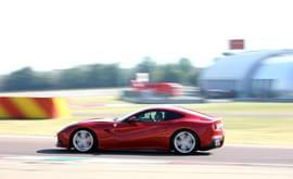 2012款法拉利F12 berlinetta海外测试