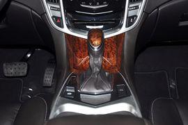 2013款凯迪拉克SRX 3.0L精英版