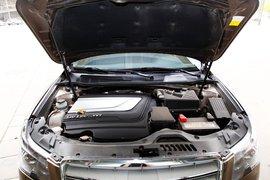 2013款吉利帝豪EC8 2.4L试驾