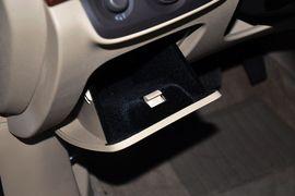 2012款荣威950 2.4L LUX豪华行政版