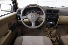 2013款郑州日产锐骐2.2T四驱试驾实拍