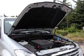 2014款双龙雷斯特W 2.0L四驱豪华版到店实拍
