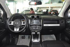 2014款Jeep指南者2.0L两驱豪华版