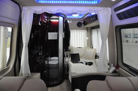 2013款中欧奔驰房车尊逸C型