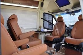 2013款中欧尊适C型房车