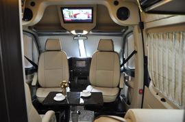 2013款中欧尊逸B型房车