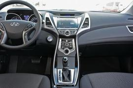 2016款现代朗动 1.6L 自动尊贵型