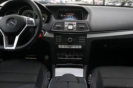 2016款奔驰E200 轿跑车 灵动版