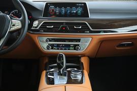 2017款宝马730Li 领先型