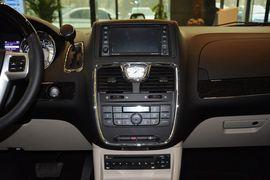 2013款克莱斯勒大捷龙3.6L豪华版