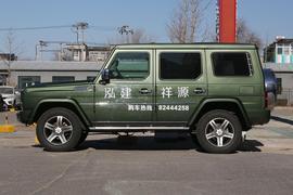 2016款北京BJ80 2.3T 自动尊贵版
