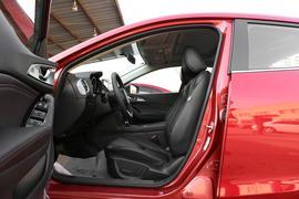 2017款 马自达3 Axela昂克赛拉 三厢 2.0L 自动尊贵型
