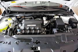 2013款比亚迪速锐1.5L手动豪华型