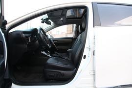 2017款 丰田卡罗拉 改款双擎 1.8L CVT旗舰版