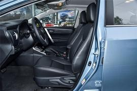 2017款 丰田卡罗拉 改款双擎 1.8L CVT精英版
