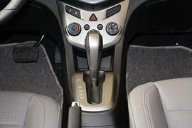 2013款雪佛兰爱唯欧三厢1.6L AT SX风尚影音版