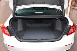 2018款 本田雅阁 230 TURBO 舒适型