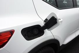 2019款沃尔沃XC40 T5 四驱运动日暮水晶白限定版