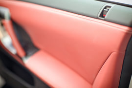 2015款GT-R 豪华棕红内饰版