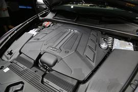 2021款宾利添越 4.0T V8