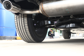 2020款丰田RAV4荣放 2.0L CVT两驱尊贵版