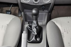 2013款雪佛兰赛欧三厢1.2手动时尚版