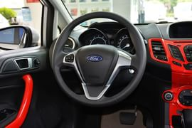 2013款福特嘉年华两厢1.5L自动运动型