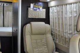 2014款中欧尊逸B型旅居车