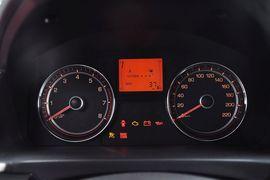 2014款双龙柯兰多2.0L汽油两驱舒适导航版