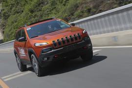 2014款Jeep自由光3.2L Trailhawk试驾