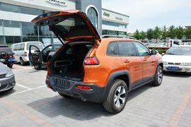 2014款Jeep自由光3.2L高性能版