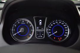 2011款现代雅尊2.4L豪华版