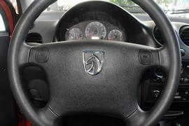 2012款宝骏乐驰1.0L手动优越型