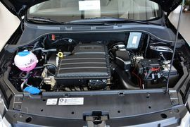 2013款大众新桑塔纳1.4L手动舒适版