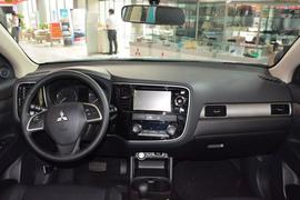 2013款三菱欧蓝德2.4L四驱豪华导航版5座