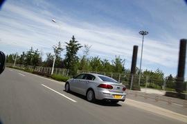 外观大气细节出众 试驾观致3轿车致臻型