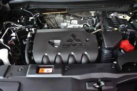 2013款三菱欧蓝德2.0L两驱运动导航版5座