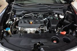 2013款本田凌派1.8L自动豪华版