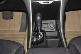 2014款现代索纳塔八 2.0L自动豪华版