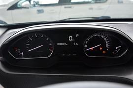 2014款标致2008 1.6L自动领航版
